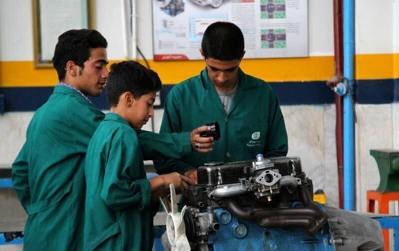 رشتههای مهارتی تضمینی برای اینده شغلی/ داوطلبان کنکوری به رشتههای فنی توجه ویژهای داشته باشند