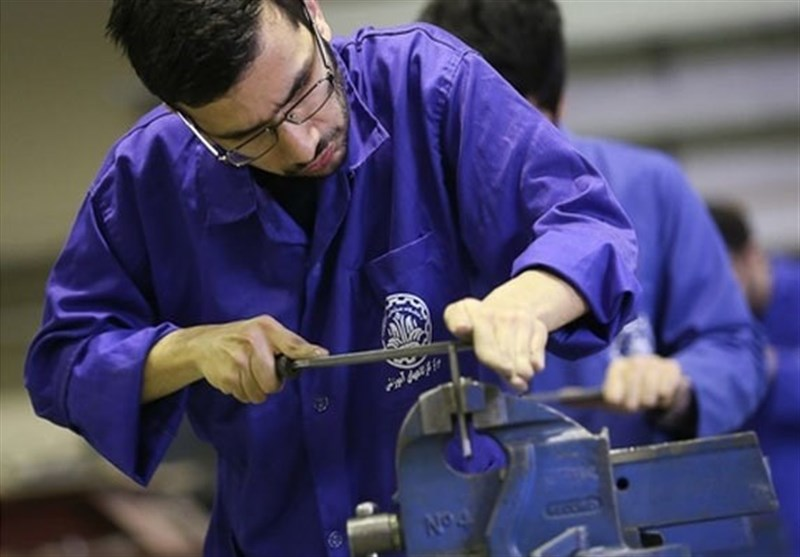 سهم ۸۳۳هزار تومانی هر کاروز برای کسب مهارت/ ورود۱۲۰ هزار کارورز به بازار کار