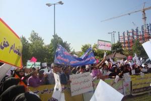 تجمع معلمان قراردادی و حقالتدریس مقابل مجلس شورای اسلامی
