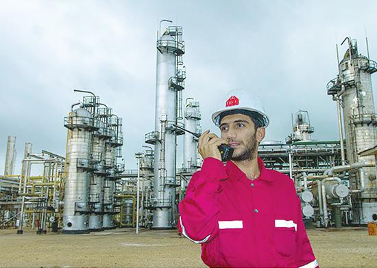 آزمون استخدامی نفت باید به تعویق بیفتد