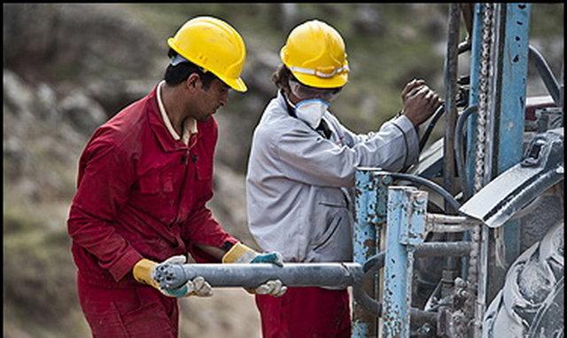 بسیاری از فرصتهای شغلی کشور در اختیار نیروی کار خارجی است