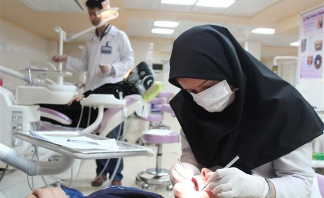ایجاد دانشکده دندانپزشکی دیجیتال/ ۱۷ درصد فارغالتحصیلان دندانپزشکی از دانشگاه آزاد هستند