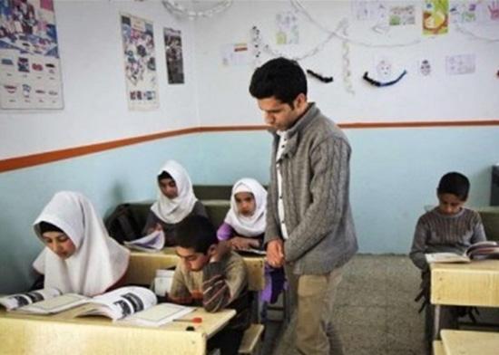 الزام در حذف طرح سرباز معلم از مدارس عشایر