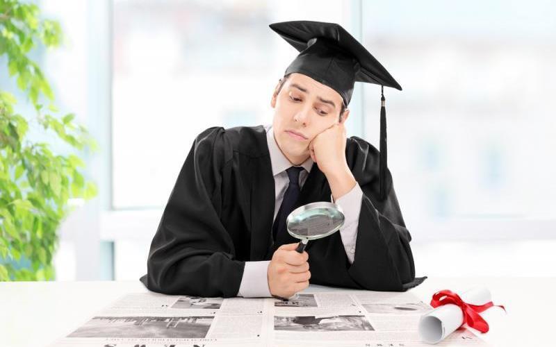 چرا فارغالتحصیلان دانشگاهی کار پیدا نمیکنند؟